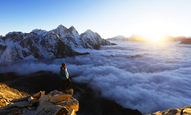 NEP2307 Asia, Nepal, Khumbu valley, Sagamartha National Park, Unesco World Heritage site, sunset view from Ama Dablam (MR)