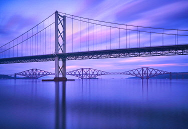 SCO34900AW Europe, Scotland, Lothian, Edinburgh, Firth of Forth, Forth Road Bridge