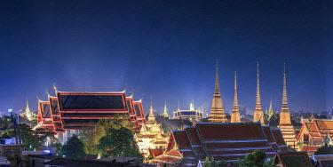 TH01426 Thailand, Bangkok elevated view of Wat Pho and Grand Palace