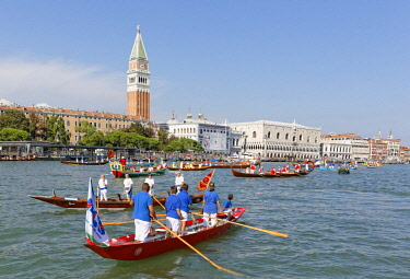 HMS2067203 Italy, Venetia, Venice, listed as World Heritage by UNESCO, Regata Storica (Historical Regatta) on the Canal Grande