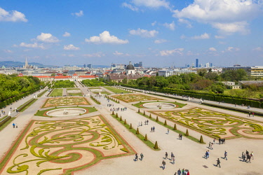 HMS3098315 Austria, Vienna, historic center listed as World Heritage by UNESCO, Baroque-style Belvedere Palace, designed by Johann Lukas von Hildebrandt at the beginning of the 18th century, gardens of Dominique...