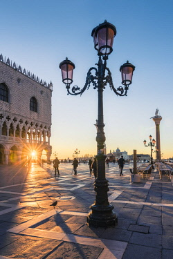 ITA11726AW Venice, Veneto, Italy. Piazzetta San Marco and Doge's palace at sunrise.