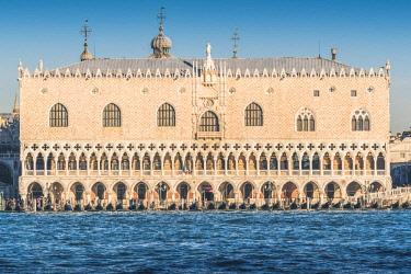 ITA11735AW Doge's palace, Venice, Veneto, Italy.