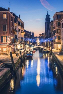 ITA11753AW Campo San Barnaba at dusk, Venice, Veneto, Italy.