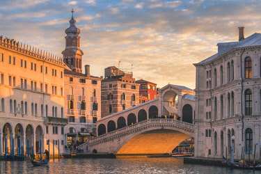 ITA11771AW Rialto bridge, Venice, Veneto, Italy.