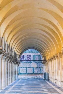 ITA11847AW Doge's palace arcade, St Mark's square, Venice, Veneto, Italy.