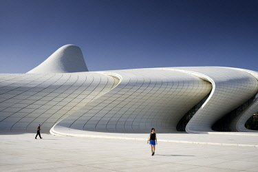HMS2102893 Azerbaijan, Baku, Heydar Aliyev cultural center futuristic monument designed by the architect Zaha Hadid