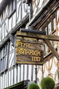 HMS1917094 United Kingdom, Warwickshire, Stratford-upon-Avon, High Street, The Garrick Inn, pub set in a half-timbered house since the 16th century
