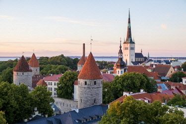HMS2869300 Estonia (Baltic States), Harju region, Tallinn, historical center listed as World Heritage by UNESCO, Patkuli Belvedere on Toompea Hill, overlooking the bell tower of the Church of St. Olaf (Oleviste...