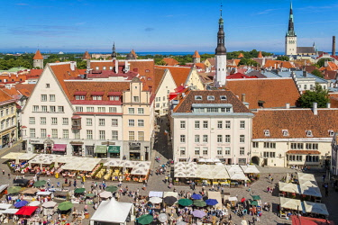 HMS2869307 Estonia (Baltic States), Harju region, Tallinn, historical center listed as World Heritage by UNESCO, Town Hall Square, view from Town Hall Tower