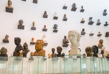 HMS2869337 Estonia (Baltic States), Harju region, Tallinn, Kumu, Estonian art museum, work of Finnish architect Pekka Vapaavuori, sculpture exhibition, Villu Jaanisoo's Heads