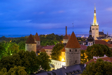 HMS2869358 Estonia (Baltic States), Harju region, Tallinn, historical center listed as World Heritage by UNESCO, Patkuli Belvedere on Toompea Hill, overlooking the bell tower of the Church of St. Olaf (Oleviste...