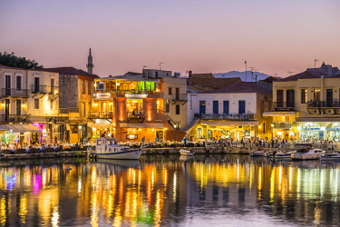 HMS2868552 Greece, Crete, Rethymnon, old town, the old venitian harbour at dusk