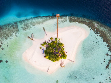 MIV0420AW Aerial drone view of a tropical island in the Maldives