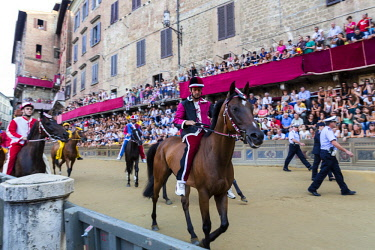 HMS2098047 Italy, Tuscany, Siena, historical center listed as World Heritage by UNESCO, Piazza del Campo, the Palio