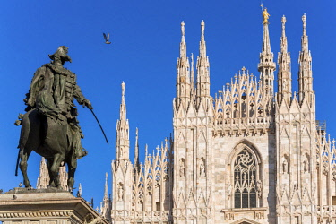 HMS2189977 Italy, Lombardy, Milan, Piazza del Duomo, equestrian statue of Victor Emmanuel II of Italy (1820-1878) and the Cathedral of the Nativity of the Holy Virgin (Duomo) built between the 14th century and t...