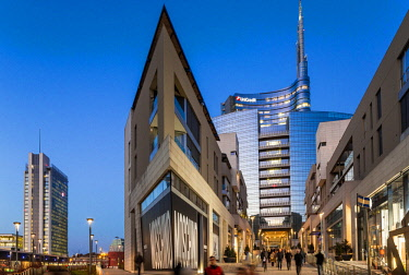 HMS2189985 Italy, Lombardy, Milan, Porta Nuova Garibaldi district (2009-2015), access to the new business district at the bottom with the Unicredit Tower designed by architect Cesar Pelli
