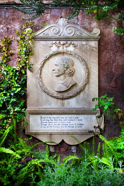 HMS2196822 Italy, Latium, Rome, Testaccio Neighbourhood, Piramide area, Non Catholic Cementery of Rome, Keat's conmemorative plaque