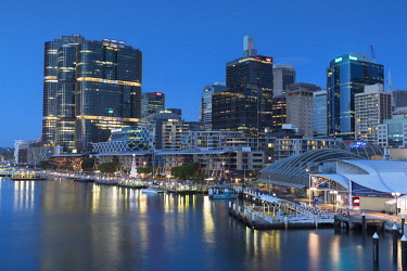AUS2869AW Darling Harbour at dusk, Sydney, New South Wales, Australia
