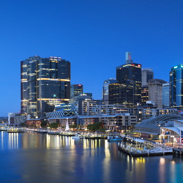AUS2872AW Barangaroo and Darling Harbour at dusk, Sydney, New South Wales, Australia