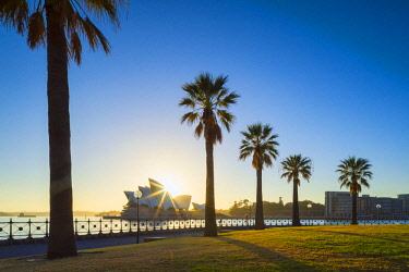 AUS3079AWRF Sydney Opera House at sunrise, Sydney, New South Wales, Australia