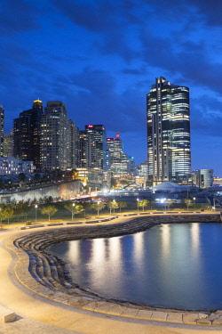 AUS2899AW Skyline of Barangaroo Reserve, Sydney, New South Wales, Australia