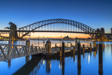 AUS3001AW Sydney Harbour Bridge at dawn, Sydney, New South Wales, Australia