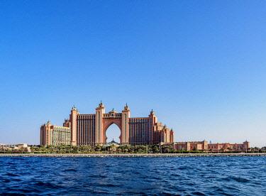 UAE0554AW Atlantis The Palm Luxury Hotel, Palm Jumeirah artificial island, Dubai, United Arab Emirates