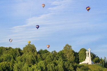 HMS2869455 Lithuania (Baltic States), Vilnius, historical center, listed as World Heritage by UNESCO, vilnius is the only capital that can be flying over a hot air balloon, above the hill of the Three Crosses in...