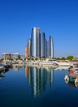 UAE0711AWRF Skyline with Marina and Etihad Towers, Abu Dhabi, United Arab Emirates