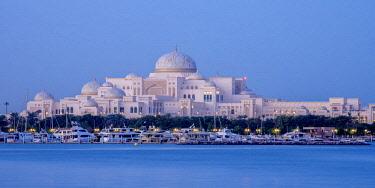 UAE0621AW Presidential Palace at twilight, Abu Dhabi, United Arab Emirates