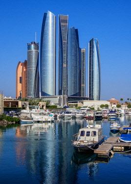 UAE0663AW Skyline with Marina and Etihad Towers, Abu Dhabi, United Arab Emirates