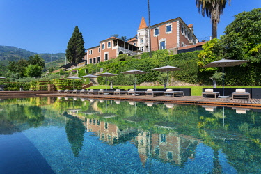 HMS2309995 Portugal, Douro Valley and its vineyards listed as UNESCO World Heritage, Six Senses Douro Valley Hotel, the swimming pool