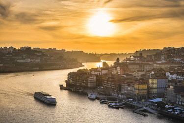 HMS2255139 Portugal, North region, Porto, historic centre listed as World Heritage by UNESCO, Ribeira district along Douro river