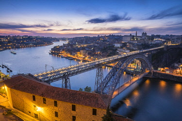 HMS2255180 Portugal, North region, Porto, historic centre listed as World Heritage by UNESCO, Dom Luis bridge listed as World Heritage by UNESCO, built between 1881 and 1886 by Theophile Seyrig, Gustave Eiffel d...
