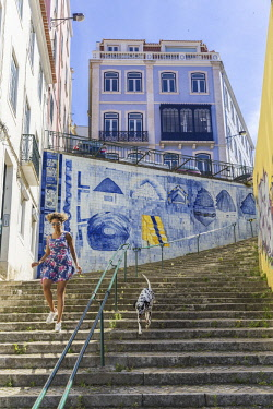 HMS2585947 Portugal, Lisbon, district Principe Real, street Mae D'Agua