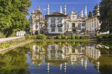 HMS2690834 Portugal, Vila Real, the 18th Century baroque palace and arts foundation (Fundacao da Casa de Mateus) built in the first half of the 18th Century by Antonio Jose Botelho Mourao (1688-1746), 3rd Morgad...