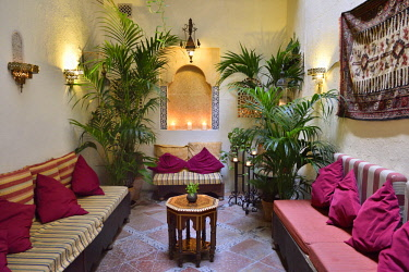 HMS3180456 Spain, Andalusia, Granada, listed as World Heritage by UNESCO, Hammam Al Andalus, The living room