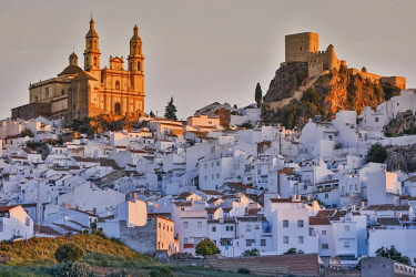 Spain, Andalusia, Cadix, Olvera, white village on a rocky promontory at sunrise