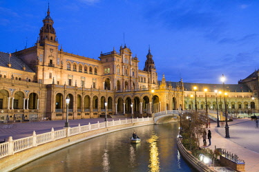 HMS2436877 Spain, Andalusia, Seville, Maria Luisa Park, the Spanish square (Plaza Espana), the Palace built by architect Anibal Gonzalez for the Ibero-American Exposition of 1929