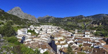 HMS2519145 Spain, Andalusia, Province of Cadiz, Grazalema, Sierra de Grazalema Natural Parc, White village (Pueblos Blancos)