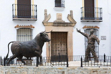 HMS2618447 Spain, Andalucia, Province of Cadiz, Grazalema, Sierra de Grazalema Natural Parc, White village (Pueblos Blancos), sculpture of a bull dedicated to the Virgin of the Carmen