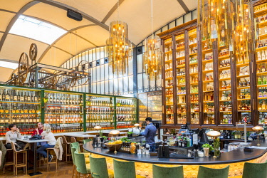 HMS2432793 Spain, Catalonia, Barcelona, Eixample, El Nacional grouping 4 restaurants and 4 bars, gourmet space (2, 600 m2) opened in 2014 and housed in an old 1889 building, cocktail bar