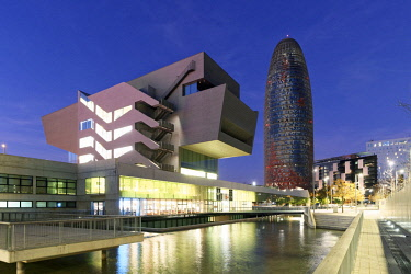 HMS2881600 Spain, Catalonia, Barcelona, Design Museum or Museu del Disseny with Torre Agbar (Agbar tower) of the architect Jean Nouvel