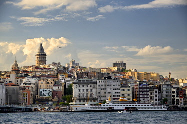 HMS2097135 Turkey, Istanbul, Golden Horn, Galata Tower