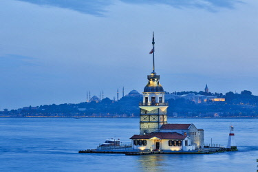 HMS2611917 Turkey, Istanbul, Leandre tower, listed as World Heritage by UNESCO, night view of the Maiden's Tower