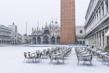 ITA11973AW St Mark's square covered with snow, Venice, Veneto, Italy.