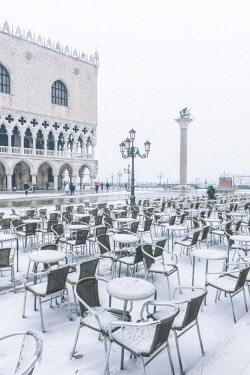 ITA11979AW Venice, Veneto, Italy. Piazzetta San Marco and Doge's palace with snow.