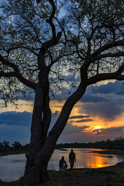 ZAM8098AW Zambia, South Luangwa National Park, Mfuwe. Sunset over the Luangwa River not far from Mfuwe Lodge.