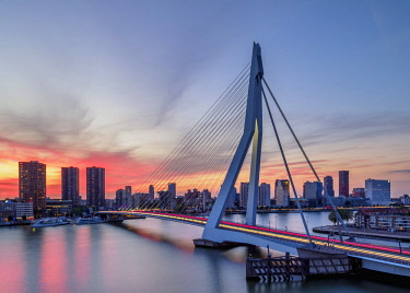 NLD0751AW Erasmus Bridge at sunset, Rotterdam, South Holland, The Netherlands